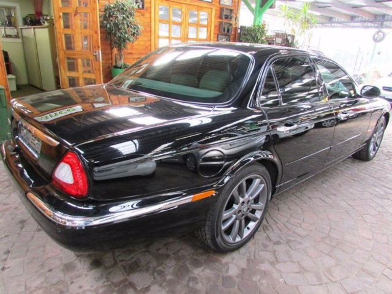 Jaguar XJ 4.2 2004 photo - 7