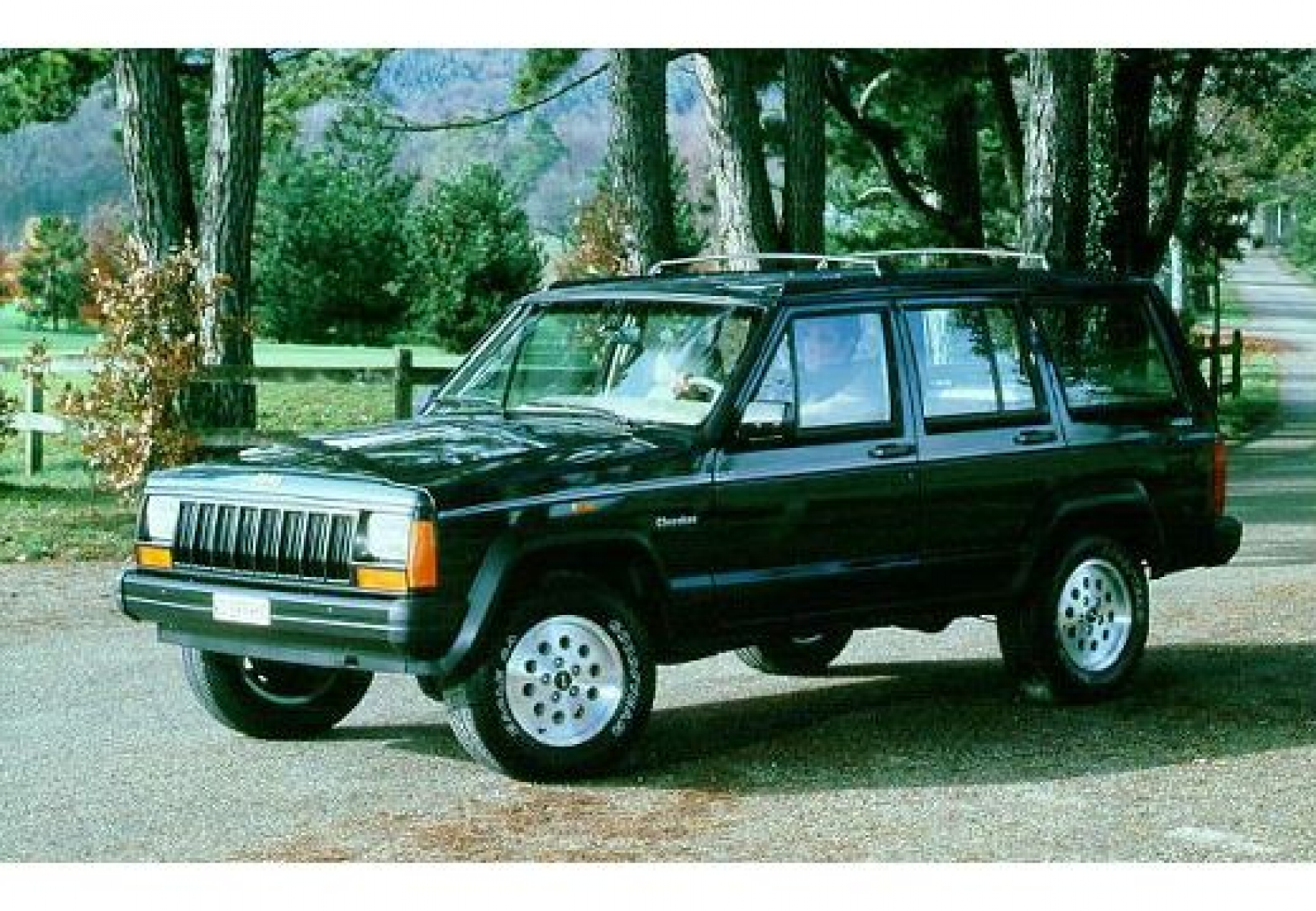 Jeep Cherokee 2.1 1988 photo - 9