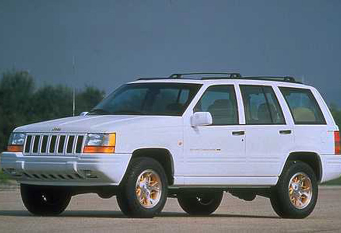 Jeep Cherokee 2.5 1992 photo - 3