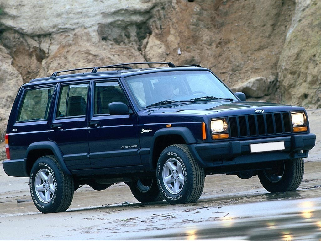 Jeep Cherokee 2.5 2000 photo - 3