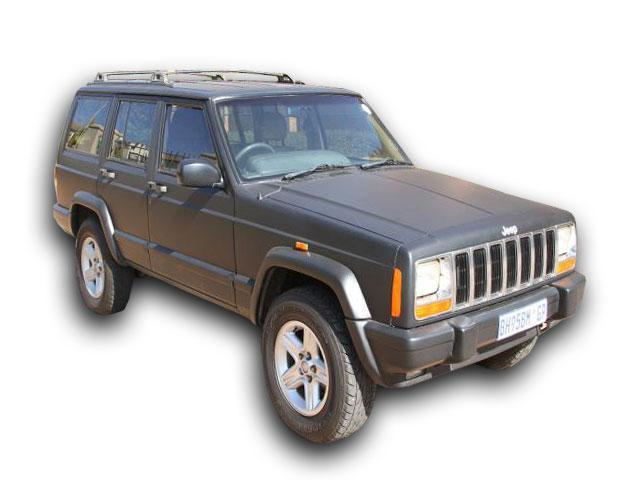 Jeep Cherokee 2.5 2000 photo - 7