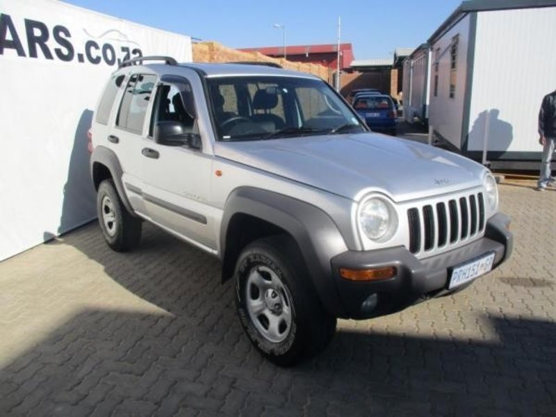 Jeep Cherokee 2.5 2003 photo - 1