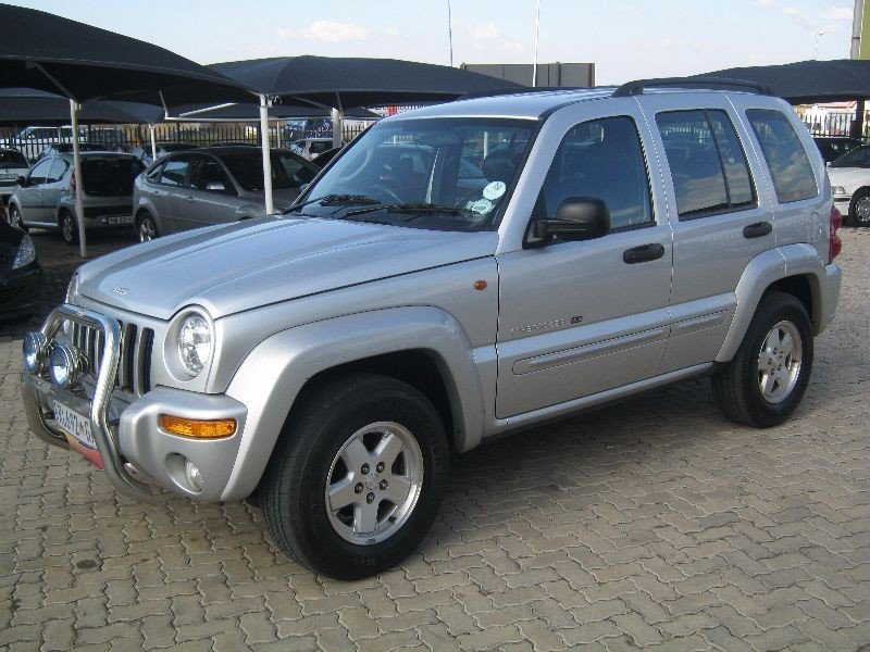 Jeep Cherokee 2.5 2003 photo - 2