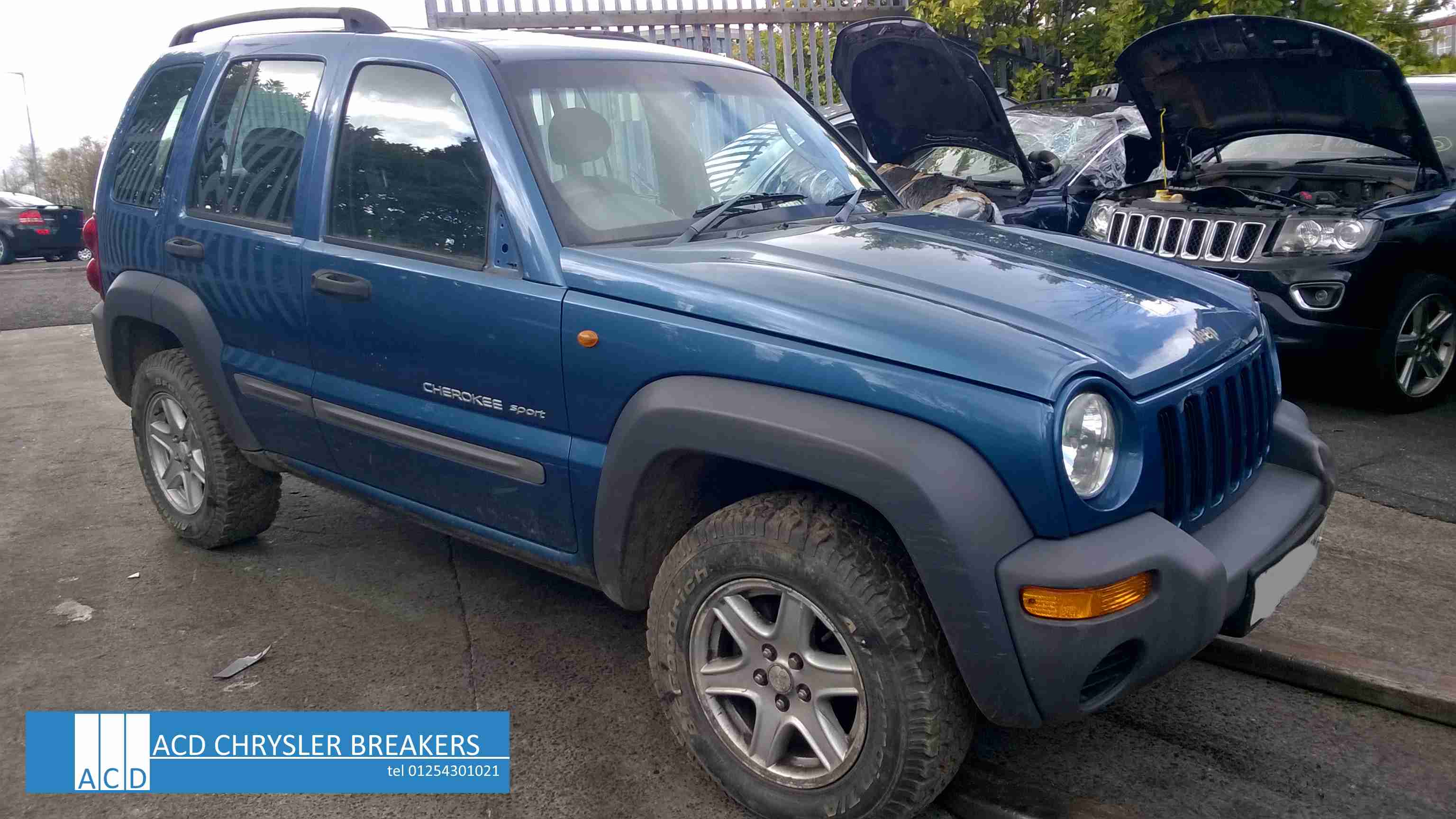 Jeep Cherokee 2.5 2003 photo - 6
