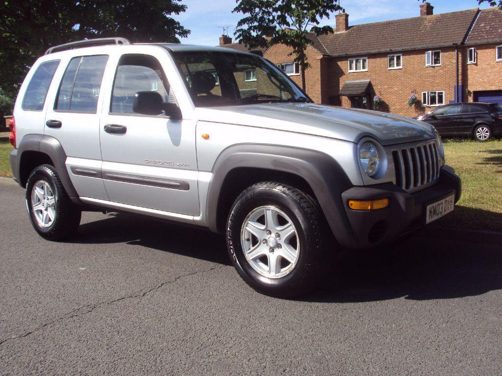 Jeep Cherokee 2.5 2003 photo - 8