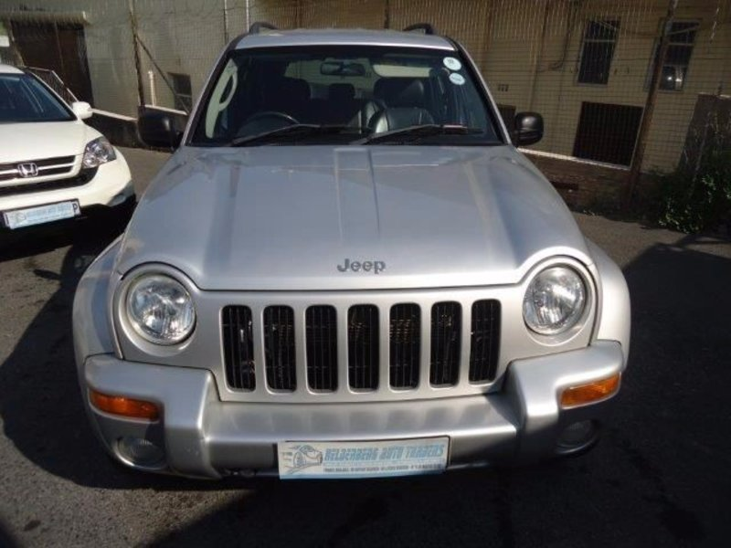 Jeep Cherokee 2.8 2004 photo - 7
