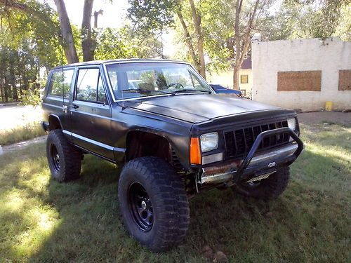 Jeep Cherokee 4.0 1988 photo - 7