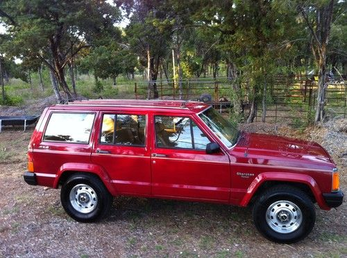 Jeep Cherokee 4.0 1988 photo - 9