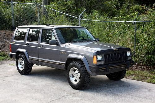 Jeep Cherokee 4.0 1990 photo - 10