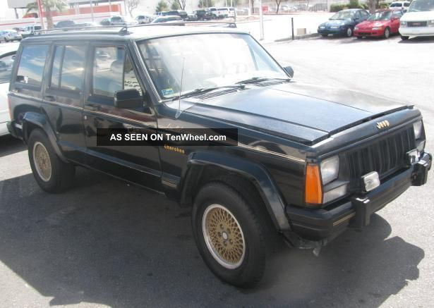 Jeep Cherokee 4.0 1990 photo - 12