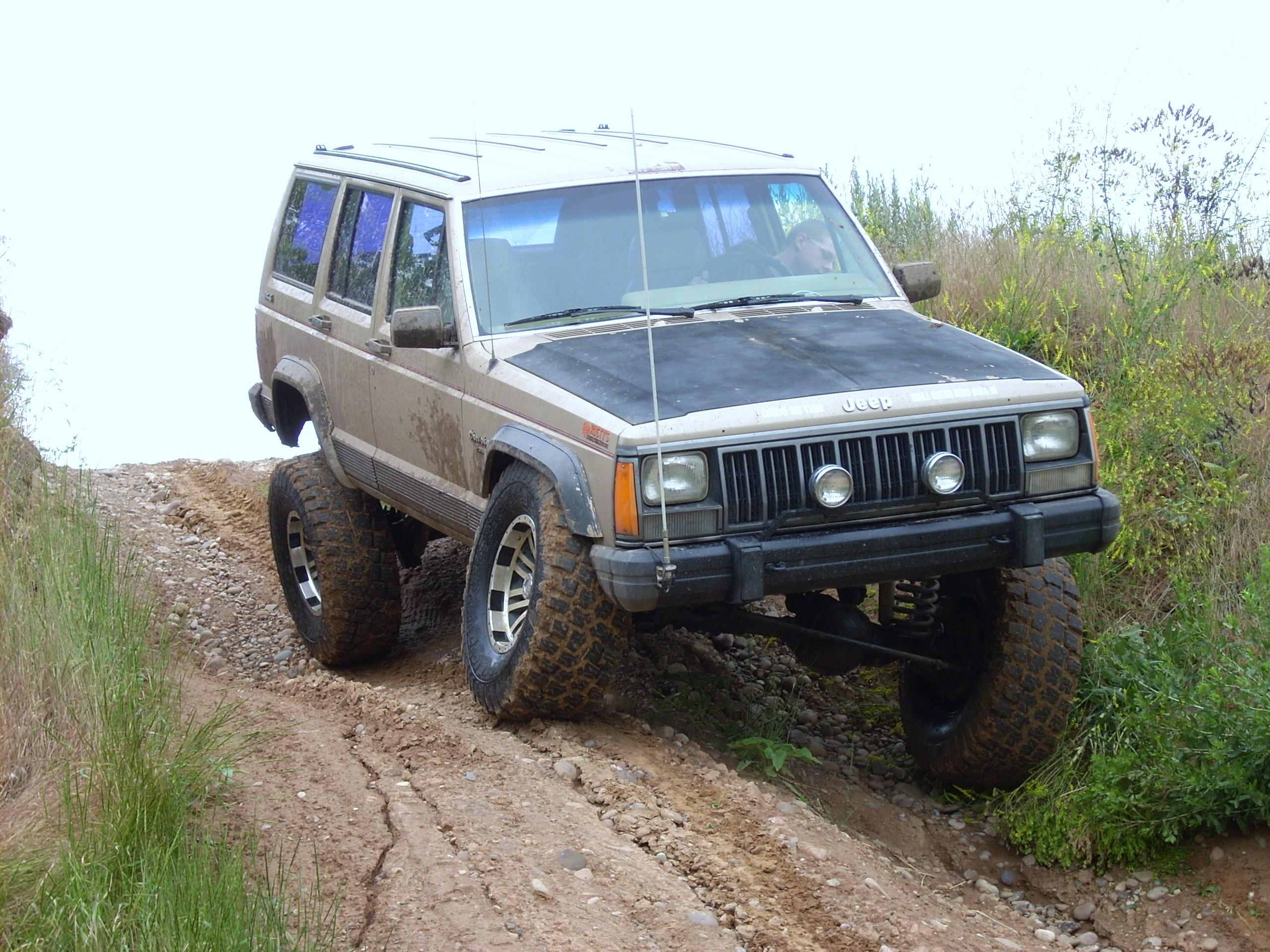 Jeep Cherokee 4.0 1990 photo - 7