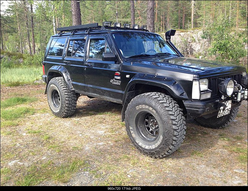 Jeep Cherokee 4.0 1990 photo - 8