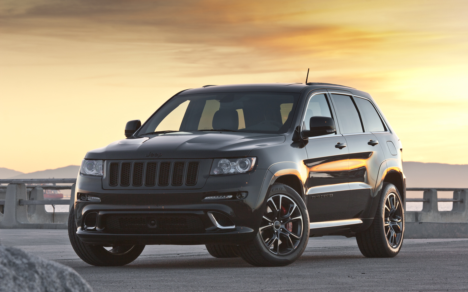 Jeep Grand Cherokee SRT8 2013 Photo   3