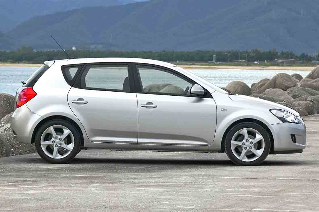 kia ceed 1 6 2009 technical specifications interior and exterior photo. Black Bedroom Furniture Sets. Home Design Ideas