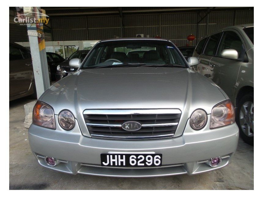 Kia Optima 2.0 2003 photo - 2