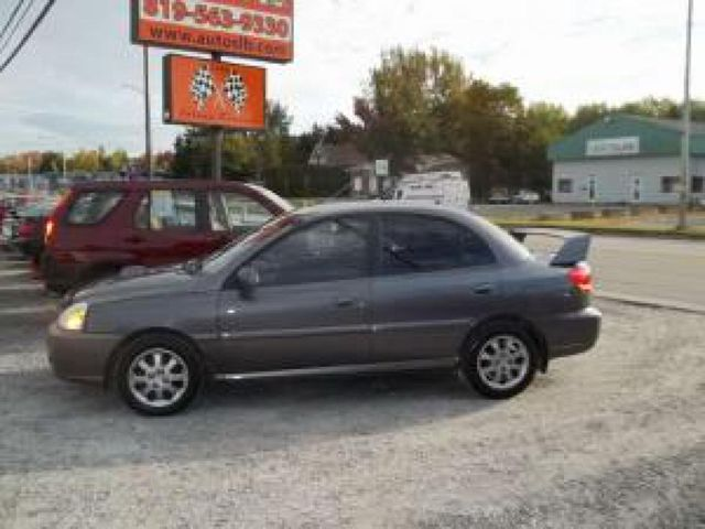 Kia Rio 1.3 2005 photo - 6