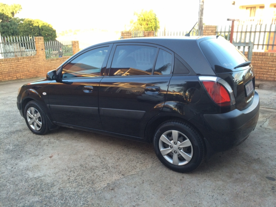 Kia Rio 1.4 2010 photo - 11