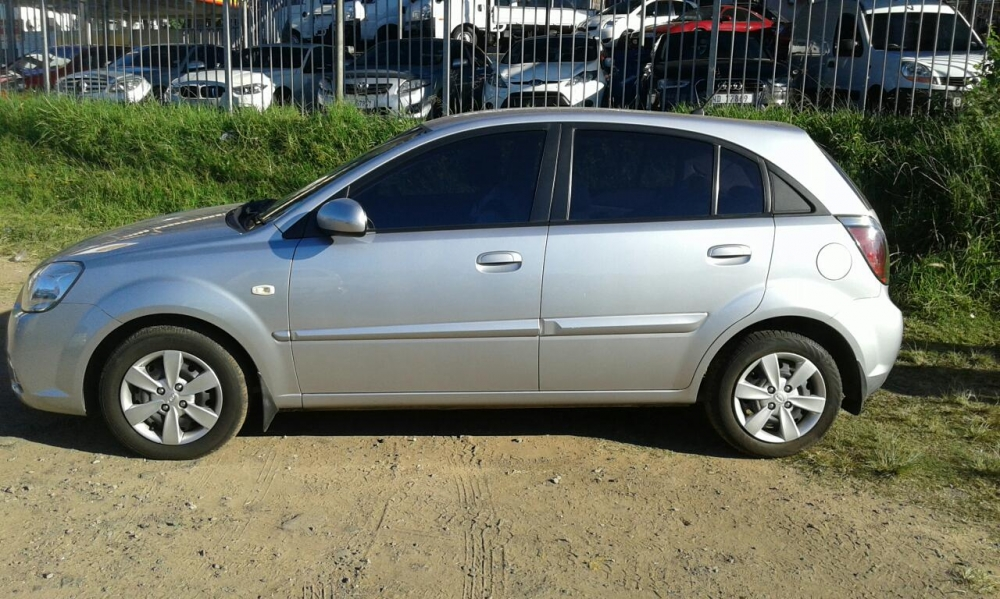 Kia Rio 1.4 2010 photo - 6