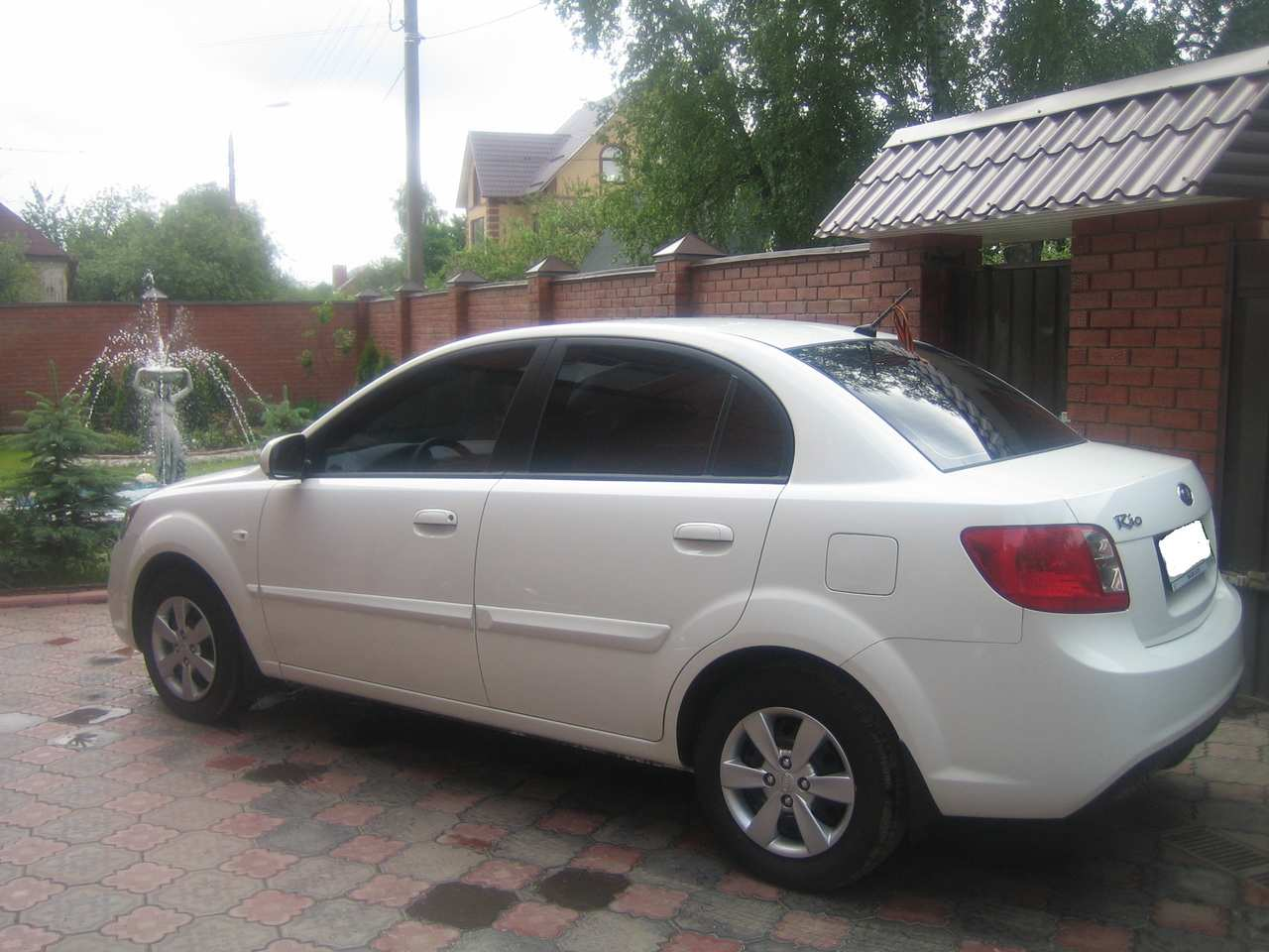 Kia Rio 1.4 2010 photo - 8