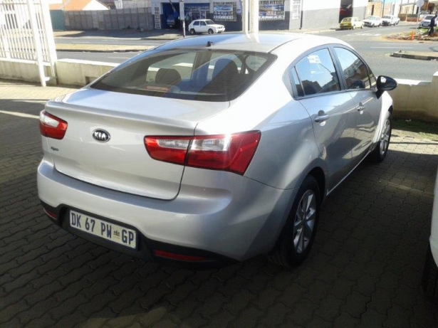 Kia Rio 1.4 2014 photo - 12