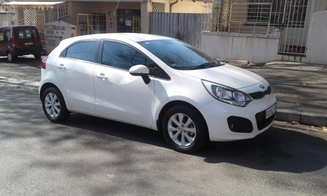 Kia Rio 1.4 2014 photo - 2