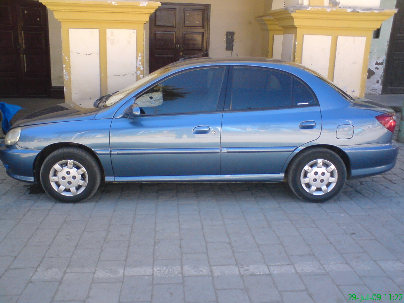 Kia Rio 1.5 2001 photo - 4