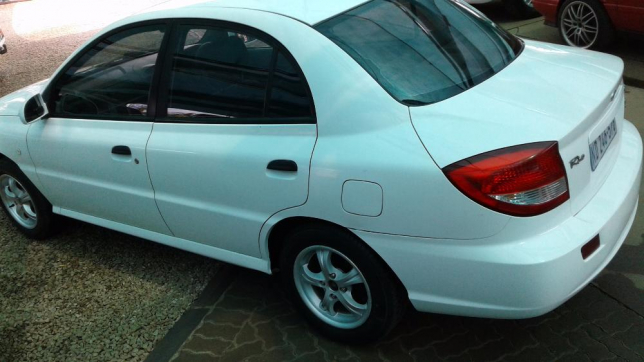 Kia Rio 1.5 2004 photo - 11