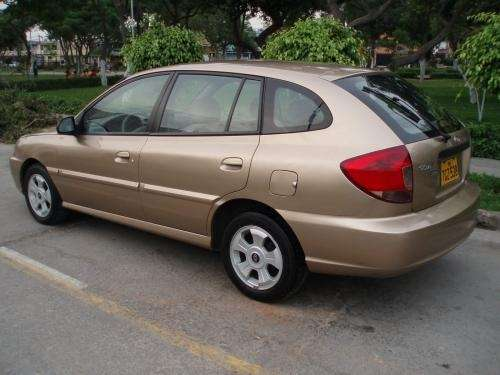 Kia Rio 1.5 2004 photo - 6