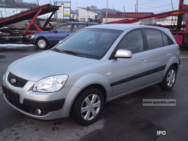 Kia Rio 1.5 2006 photo - 1