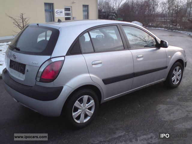 Kia Rio 1.5 2006 photo - 2