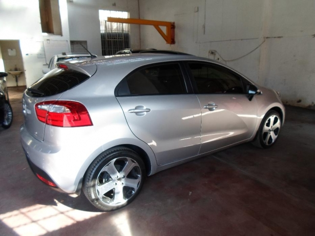 Kia Rio 1.5 2013 photo - 1