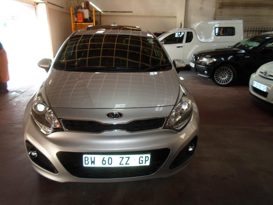 Kia Rio 1.5 2013 photo - 2