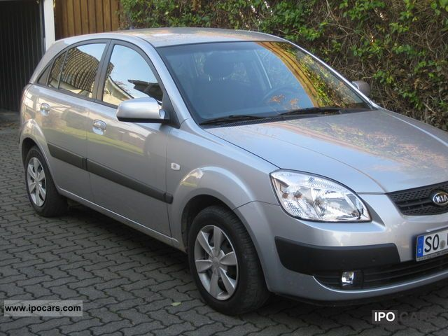 Kia Rio 1.6 2006 photo - 1