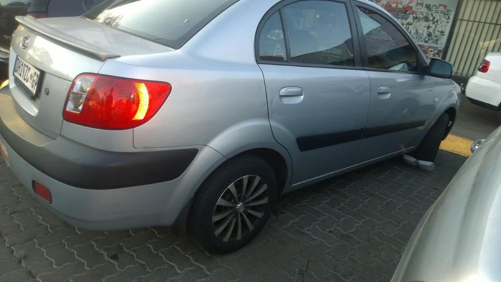 Kia Rio 1.6 2006 photo - 12