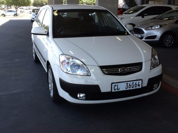 Kia Rio 1.6 2010 photo - 2
