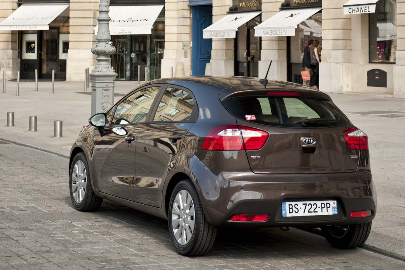 kia rio 1 6 2013 technical specifications interior and exterior photo. Black Bedroom Furniture Sets. Home Design Ideas
