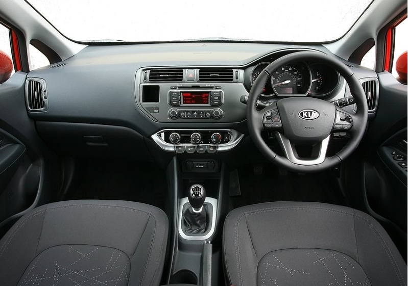 Kia Rio 1.6 2013 photo - 9