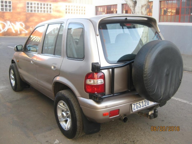 Kia Sportage 2.0 2001 photo - 2