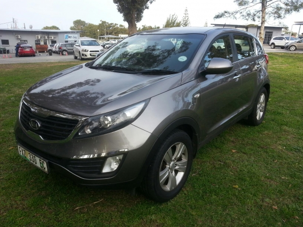 Kia Sportage 2.0 2011 photo - 3
