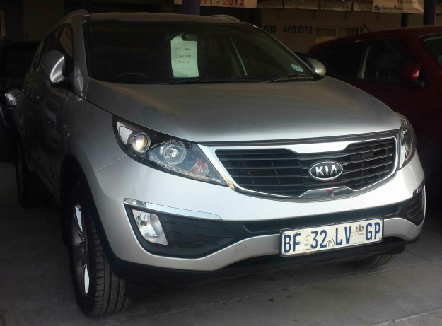 Kia Sportage 2.0 2011 photo - 7