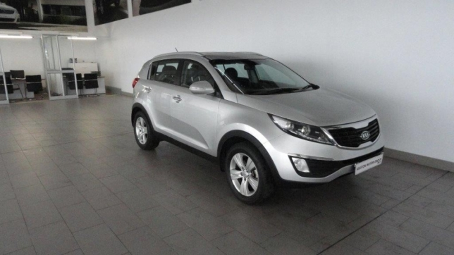Kia Sportage 2.0 2011 photo - 9