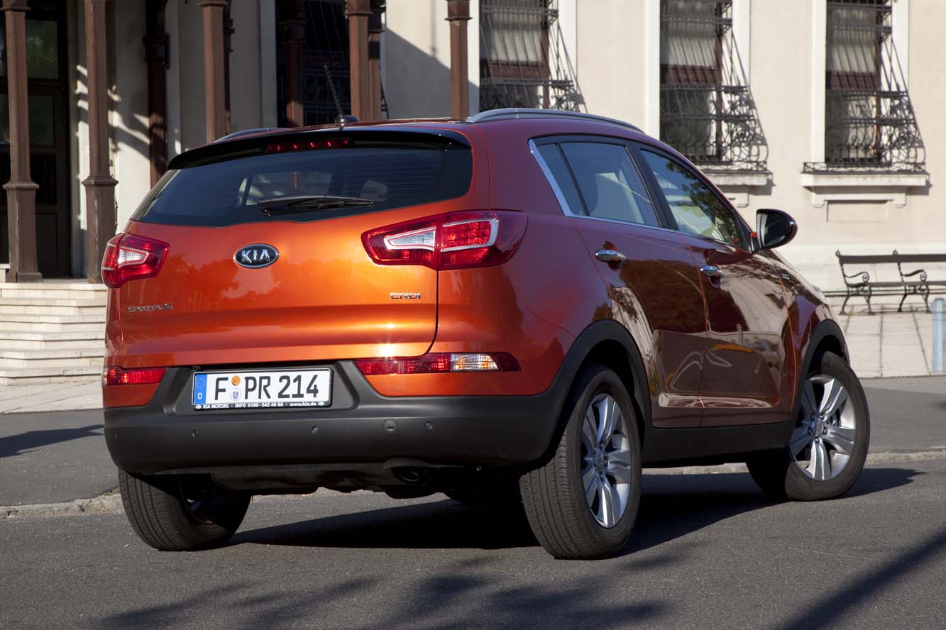 Kia Sportage 2.0 2012 photo - 2