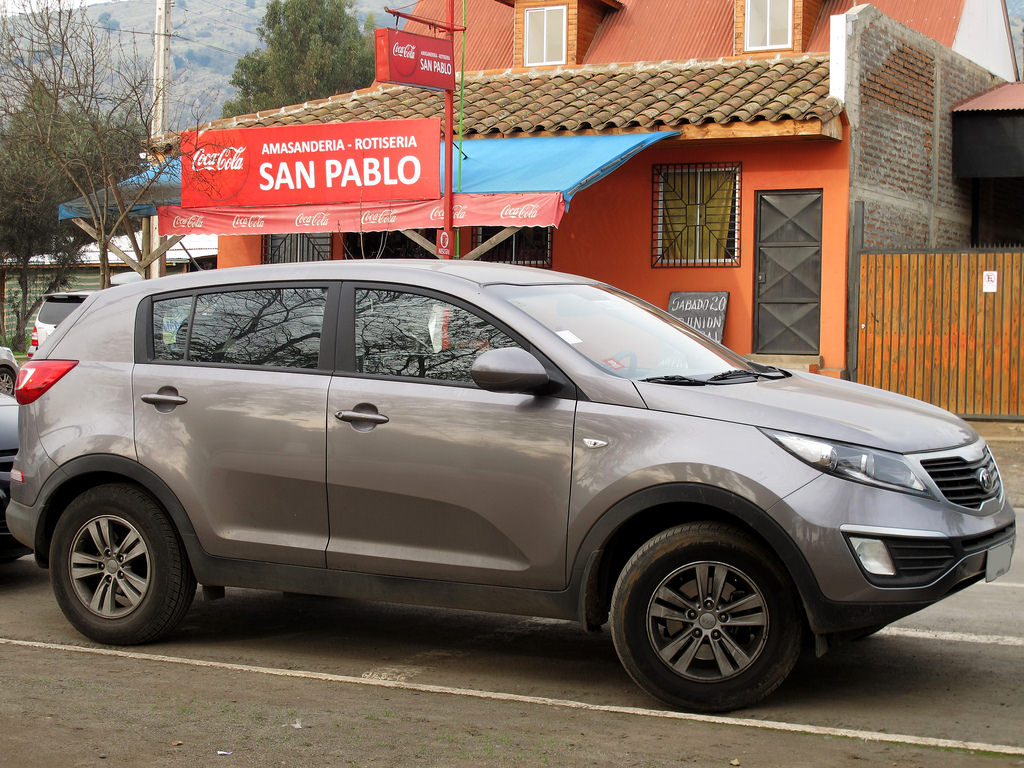 Kia Sportage 2.0 2012 photo - 7