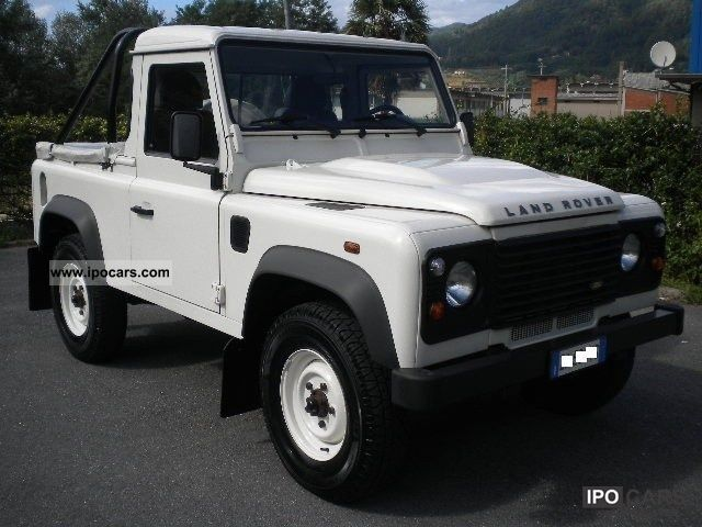 Land Rover Defender 2.2 2009 photo - 12