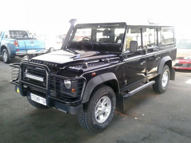 Land Rover Defender 2.2 2009 photo - 3