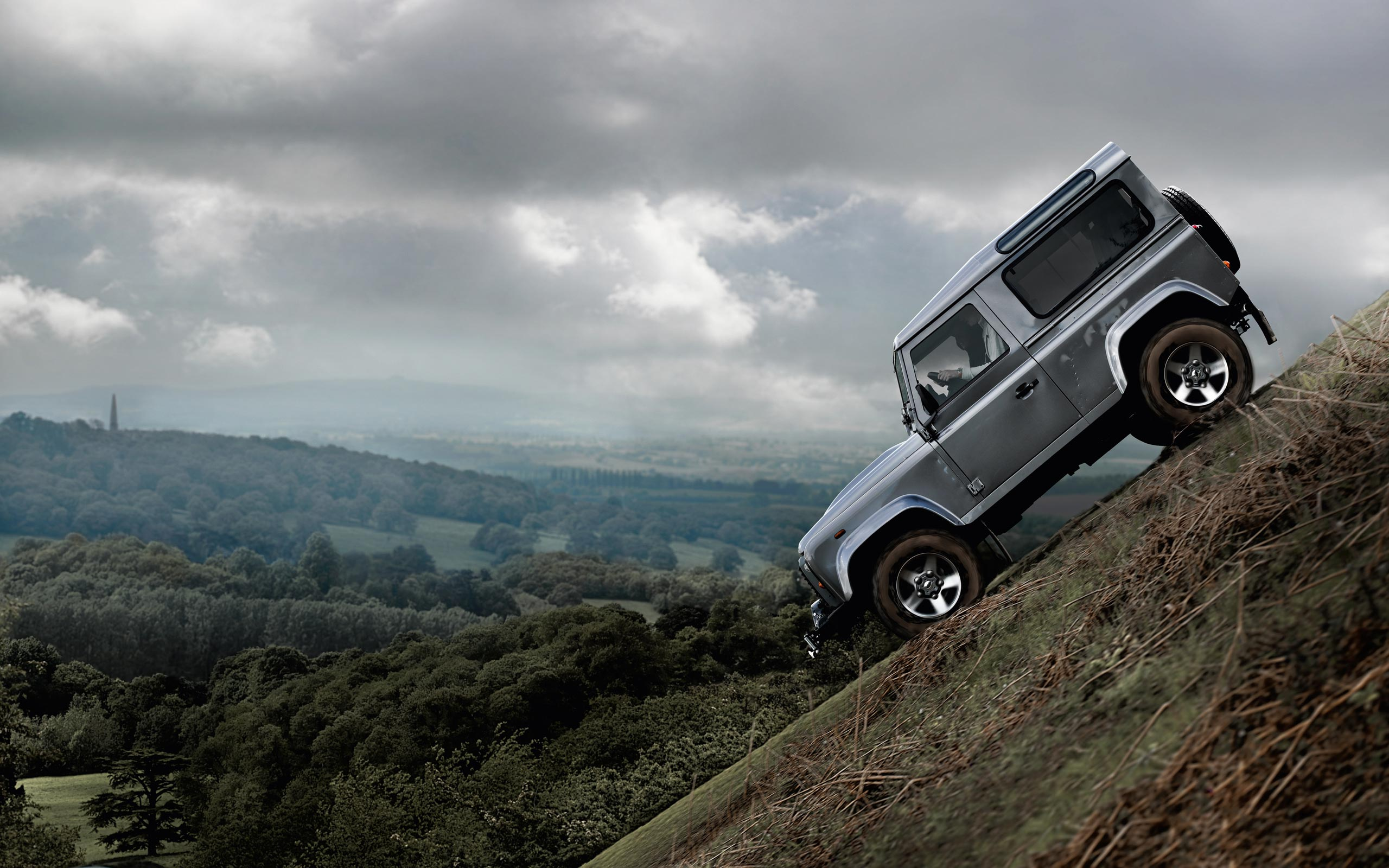 Land Rover Defender 2.2 2012 photo - 3