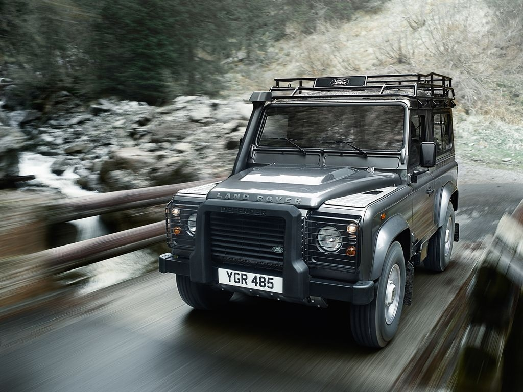 Land Rover Defender 2.2 2012 photo - 5