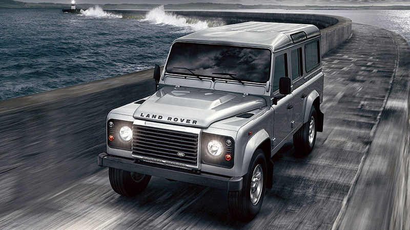 Land Rover Defender 2.2 2012 photo - 9