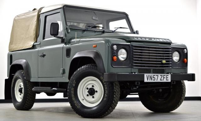 Land Rover Defender 2.4 2007 photo - 3