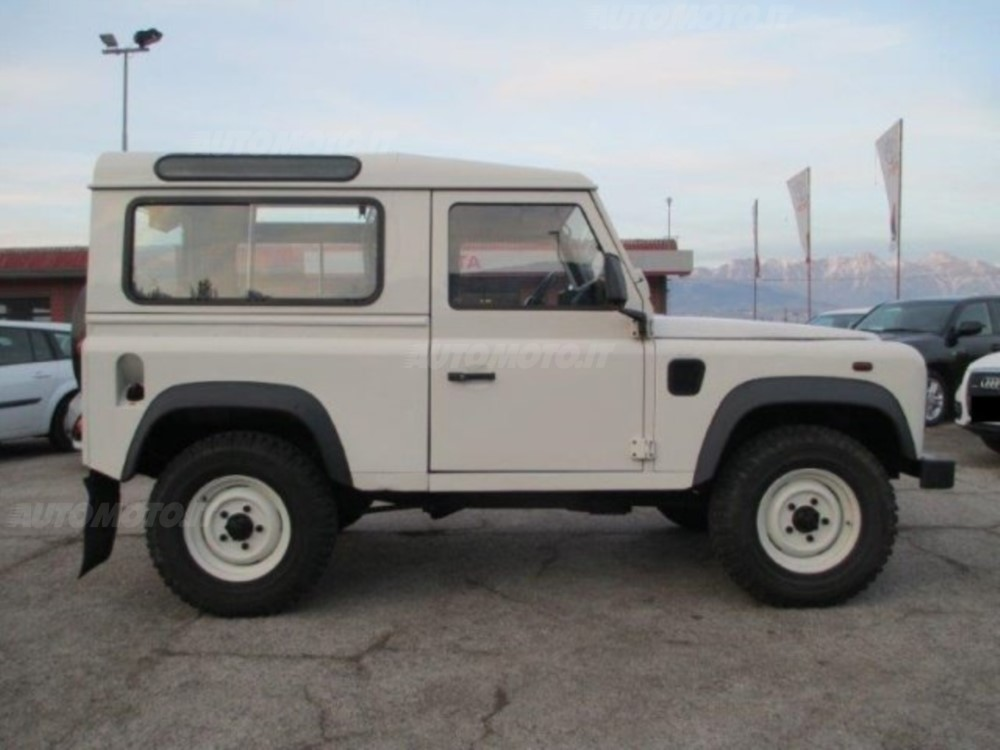 Land Rover Defender 2.4 2007 photo - 5
